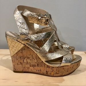 Guess Harlea gold wedges 6.5